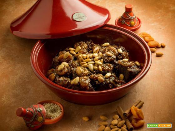 Dal Marocco: tajine di manzo con albicocche e mandorle