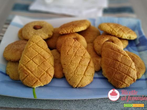 Biscotti con farina di mais e mandorle con bimby