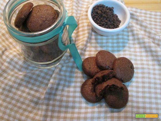 biscotti al cacao e latte condensato