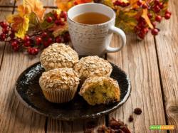 Accogliamo l'autunno con i muffins di avena e uvetta