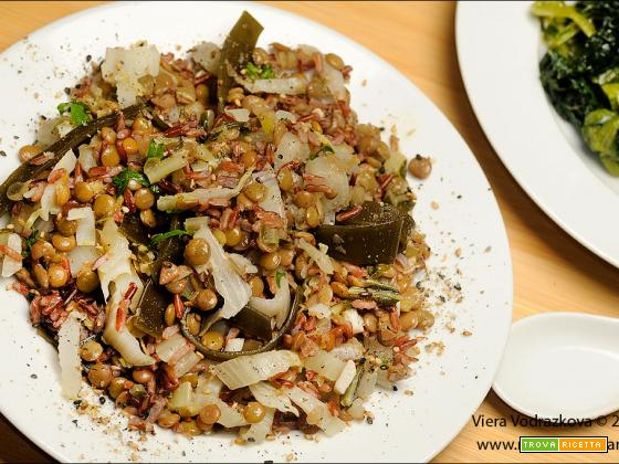 Riso rosso Thai con alga Kombu,cavoli e lenticchie