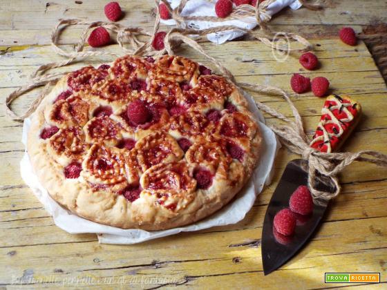 Crostata di rose con marmellata di lamponi