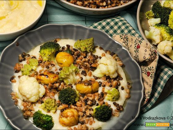 Farro e lenticchie con crema di sedano e crucifere