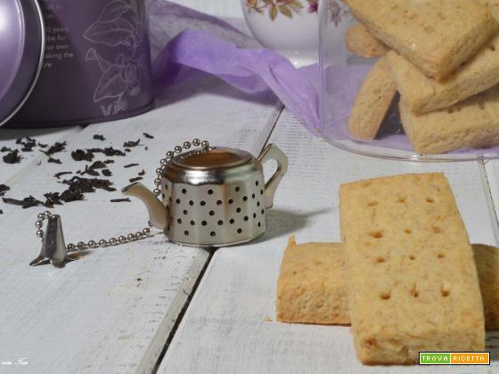 SCOTTISH SHORTBREAD (biscotti di pasta frolla scozzesi)