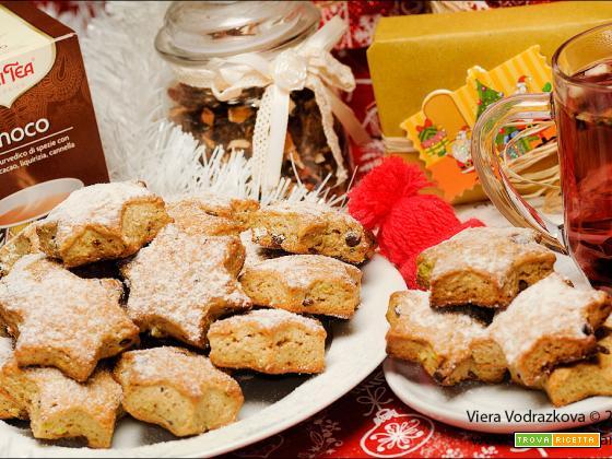 Biscotti stellari con Yogi Tea e pistacchi