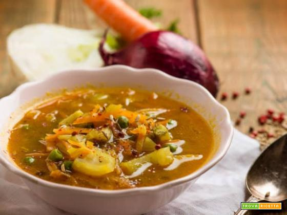 Zuppa di carote, finocchi e piselli alla curcuma , ottima cena