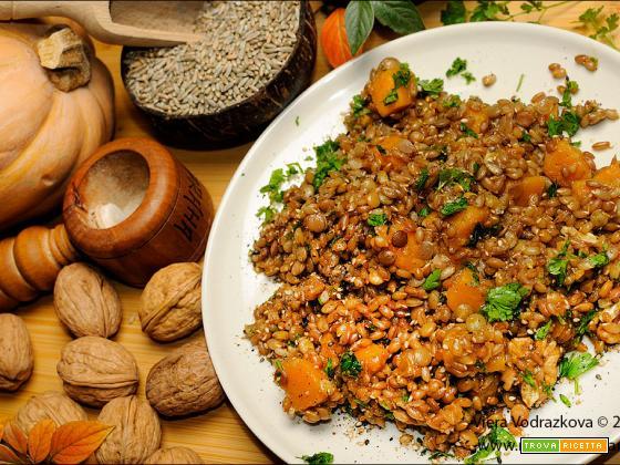 Segale e lenticchie con zucca speziata e noci