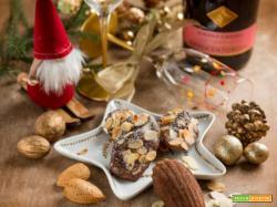 Madeleine al riso nero e mandorle per un magico Natale