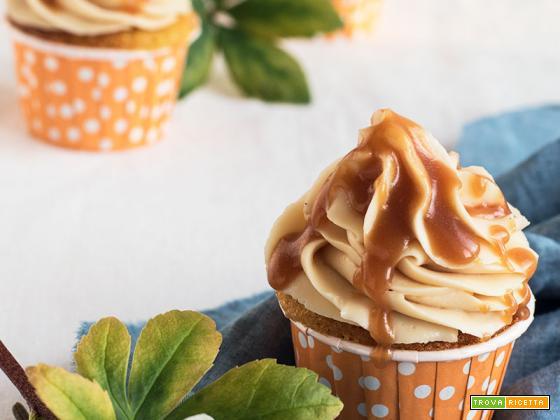 Cupcake con frosting al caramello
