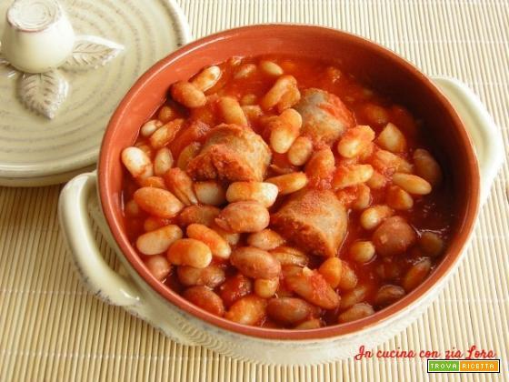 Fagioli con salsiccia secondo piatto saporito