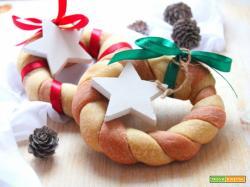 Coroncine di pane bicolore, segnaposto per Natale