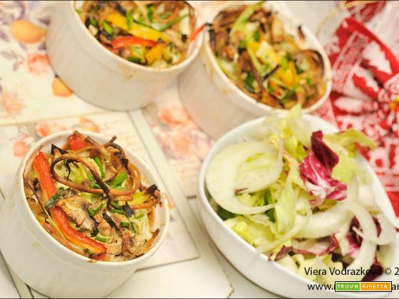 Nidi di linguine integrali  e verdure al forno