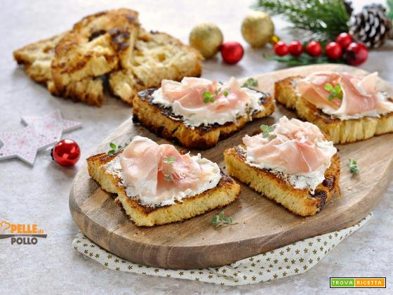 Crostini di panettone con prosciutto crudo