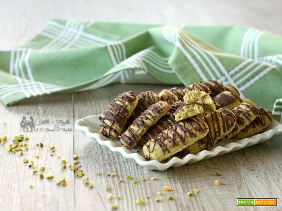Biscotti al pistacchio e cioccolato fondente