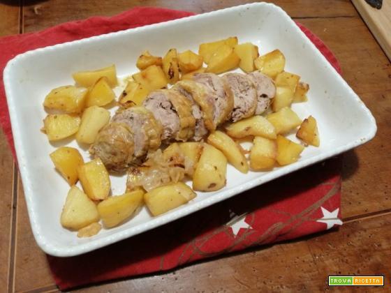 Arrosto di pollo con patate al forno