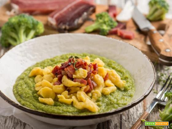 Dalla Germania: spätzle con crema di broccoli e speck