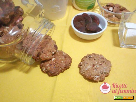 Biscotti con fiocchi d'avena, mandorle e semi di lino senza uova