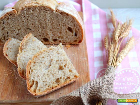 Pane con farine miste cotto su pietra refrattaria