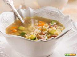 I piatti della salute: minestrone di riso e curcuma
