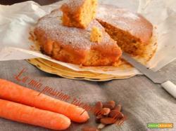 Torta carote e mandorle tostate