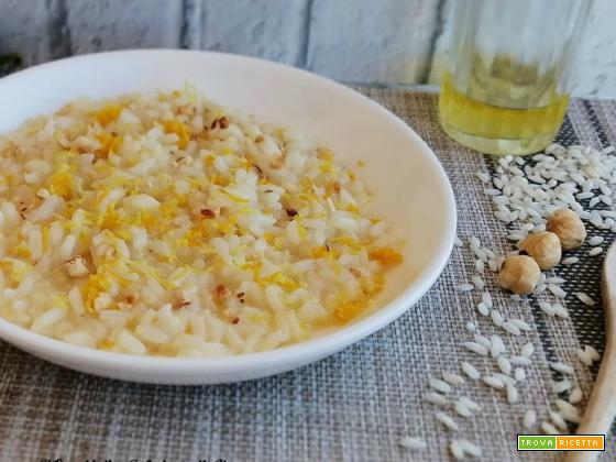 Risotto agli agrumi e granella di nocciole
