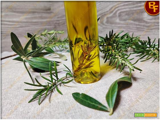 Olio extravergine di oliva al rosmarino