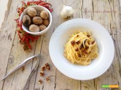 Spaghetti aglio olio e peperoncino con le noci