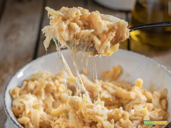 Pasta e patate con provola: ricetta napoletana