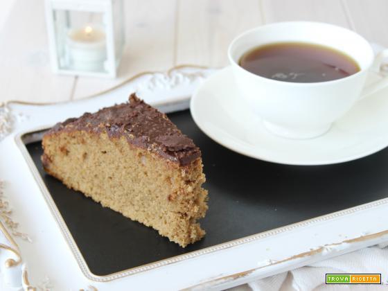 Torta al caffè glassata al cioccolato