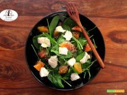 Insalata di spinacino, arance e formaggio di capra