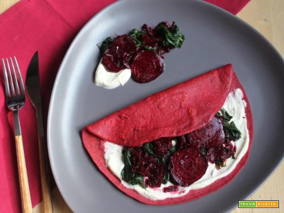 Crepes di barbabietola con spinaci e formaggio spalmabile