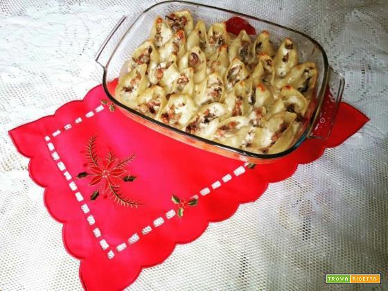 Conchiglioni ripieni con funghi e luganega - Ricetta primi piatti di Natale