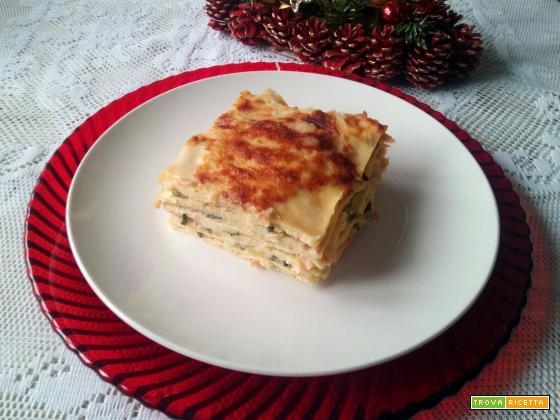 Lasagnetta di crpes con zucchine e salmone