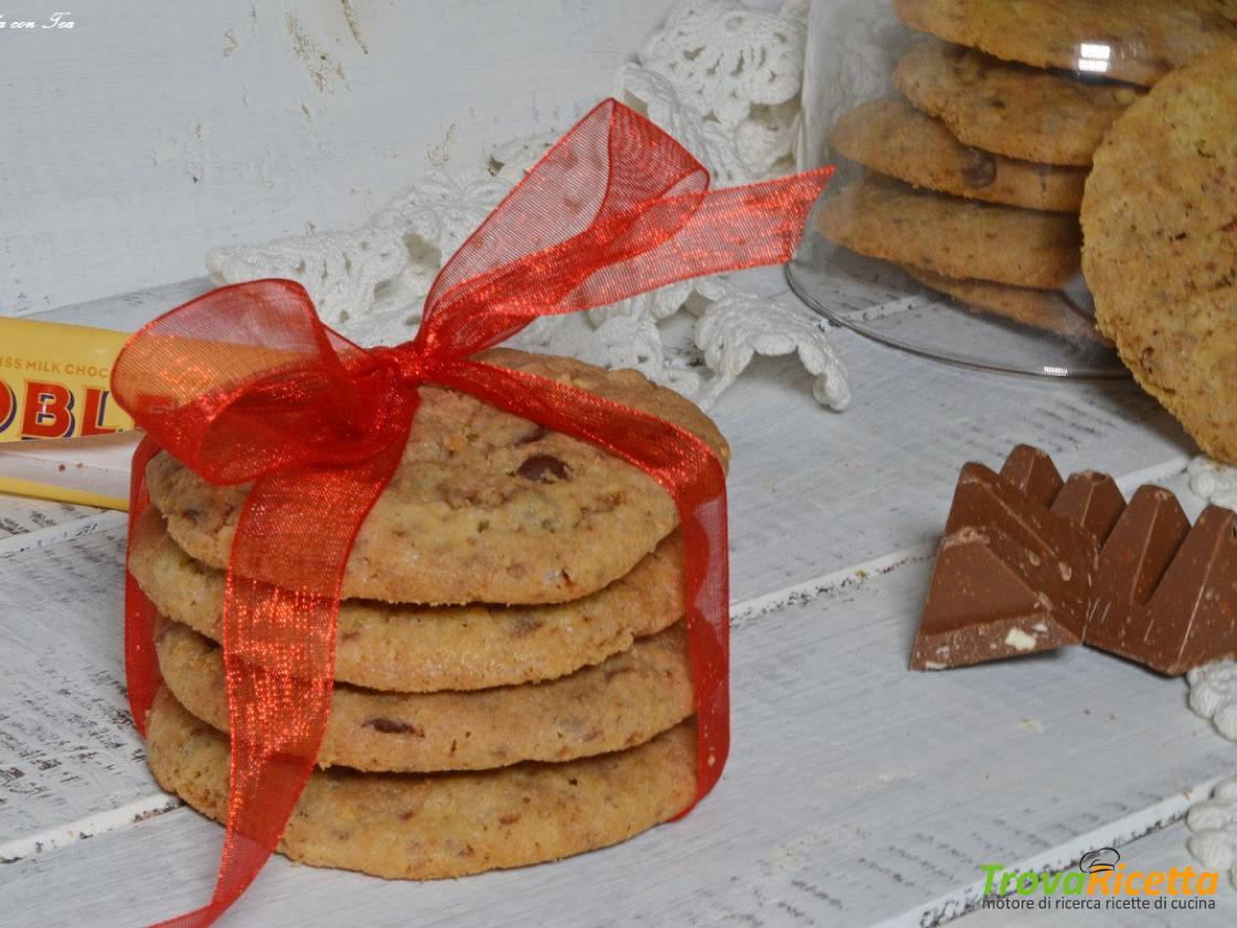 Ricetta Cookies Facile E Veloce.Biscotti Cookies Toblerone Ricetta Facile E Veloce Ricetta Trovaricetta Com