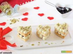 Millefoglie monoporzione al pistacchio e amarene