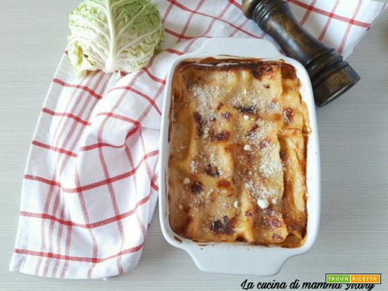 Lasagna con verza e salsiccia