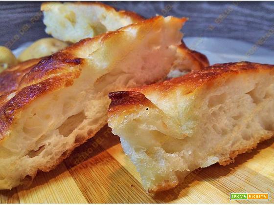 Focaccia soffice con impasto di patate