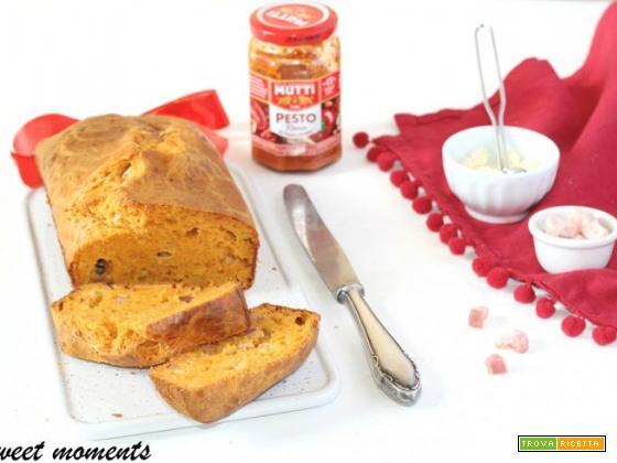 Plumcake con pesto di pomodoro e pancetta