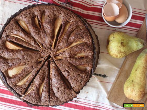 Crostata al cacao con pere e cioccolato