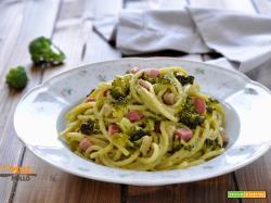 Pasta con crema di broccoletti e pancetta