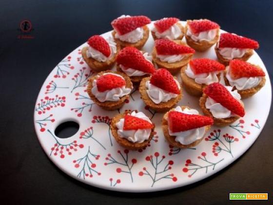 8 marzo: per celebre tutte le donne della famiglia ho preparato dei dolcetti alle fragole e panna di cocco, senza uova e lattosio