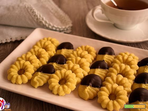 Biscotti di frolla montata vegana