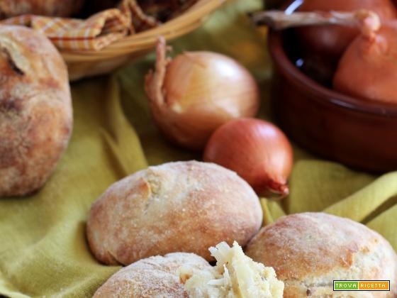 Panini senza impasto con Cipolle caramellate alla Birra