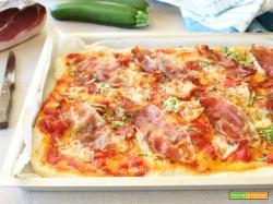 Pizza istantanea alle zucchine e speck