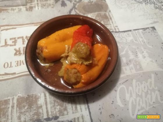 Peperoncini dolci ripieni di carne