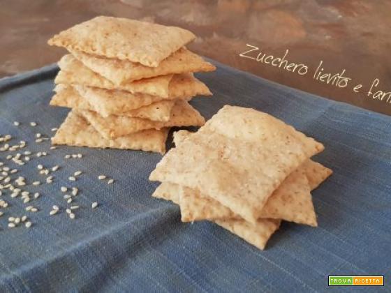 Crackers a lievitazione naturale con semi di sesamo