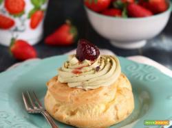 Zeppole al forno con crema di pistacchio, panna e fragole sciroppate restiamoacasacucinando