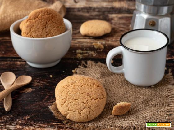 Biscotti inzupposi per il latte