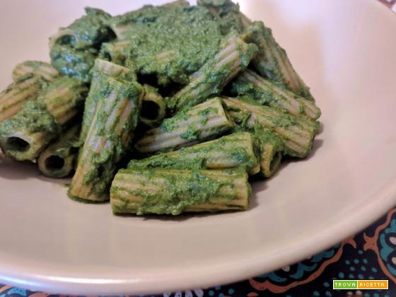 Tortiglioni integrali con crema di ricotta e spinaci