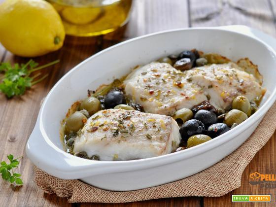 Filetti di merluzzo al forno con olive e limone